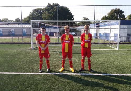 v.l.nr. : Toine Eefting, Björn Nieuwenhuis en Jorn Woestenenk